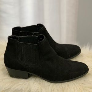 American Eagle black booties size 11W